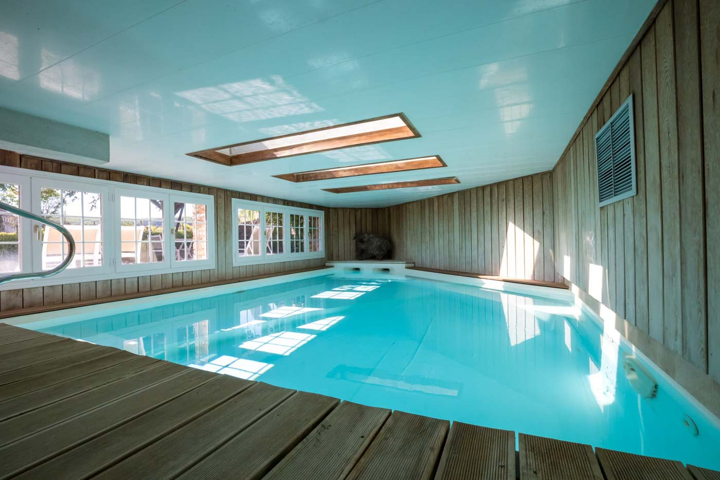 hotel beaune avec piscine. Black Bedroom Furniture Sets. Home Design Ideas